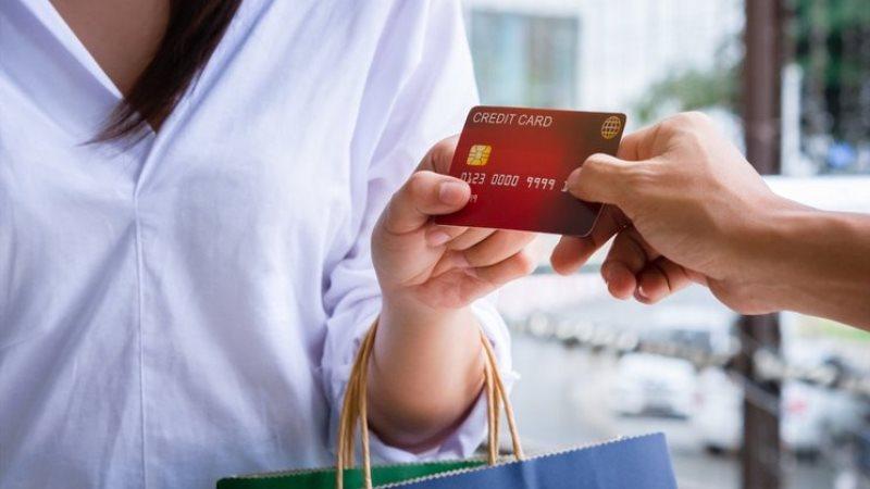 Transaksi Menguntungkan dengan Menggunakan Kartu Kredit